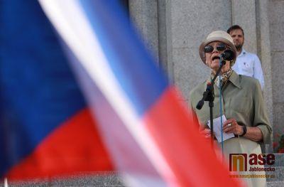 Obrazem: Demonstrace Milion chvilek pro demokracii 11. 6. v Jablonci
