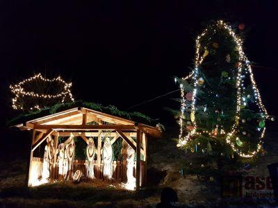 V Jindřichově opět září vánoční stromek