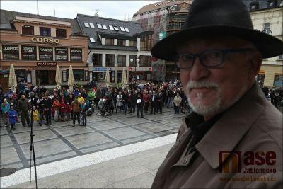 Obrazem: Milion chvilek pro demokracii i v Jablonci