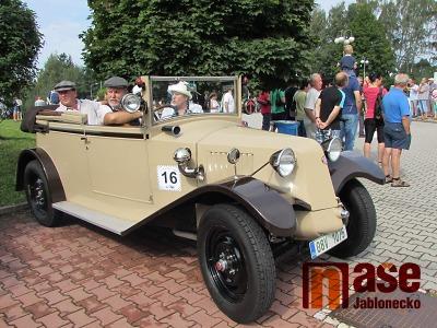 Obrazem: Oslavy 50 let založení Veteran Car clubu v Jablonci