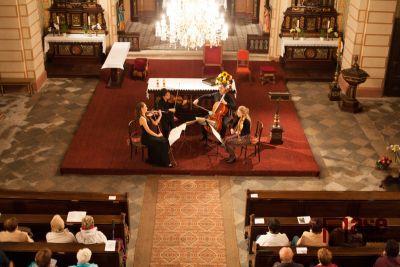 Festival Mladá Praha zavítal opět do lučanského kostela
