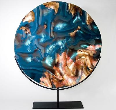 Evans Atelier vytváří skleněné vázy, mísy i umývadla