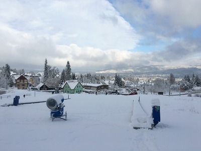 Skiareál Ještěd startuje sezonu večerním lyžováním