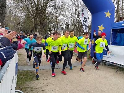 Studenti jabloneckého gymnázia druzí na juniorském maratonu v Liberci
