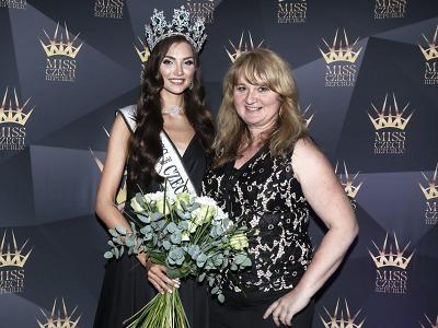 Korunkou Šenýr Bijoux se pyšní nová Miss 2020 Karolína Kopíncová