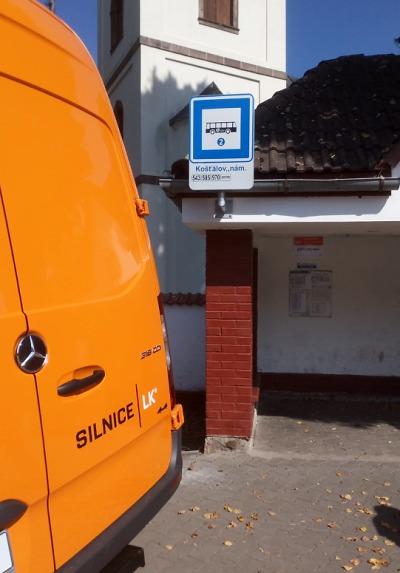 Další autobusové zastávky v kraji mají nové označníky