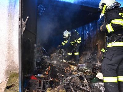 Hasiči vyjížděli k požáru garáže v Liberci