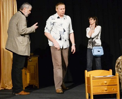 Past na osamělého muže sklapne v josefodolském divadle