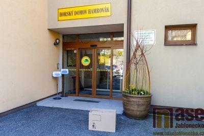 Město Tanvald darovalo ochranné štíty