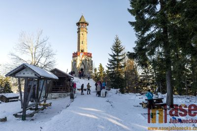 Obrazem: Tradiční novoroční výstup na Štěpánku 2020