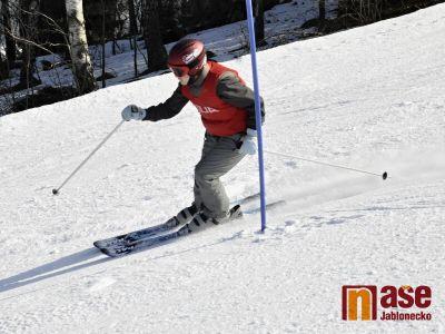 Školáci na Smržovce závodili na lyžích