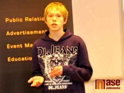 VIDEO: Mladý Demosthenes