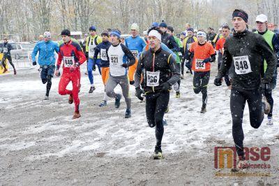 Obrazem: Další ročník přespolního běhu, tentokrát za drsných podmínek