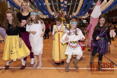 Dětský karneval v Tanvaldu obrazem