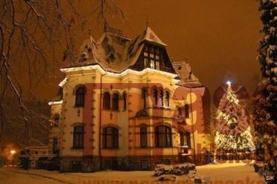 Obrazem: První adventní neděle u Riedelovy vily v Desné