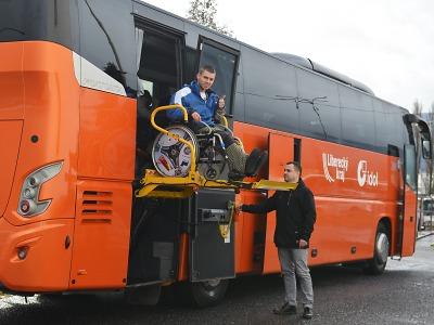 Hendikepované občany sveze po kraji i dál bezbariérový autobus