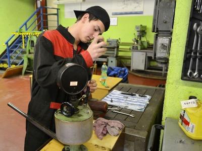 Na jablonecké průmyslovce soutěžili o nejlepšího mechanika