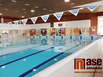 Plavecký bazén v Jablonci je opět v provozu