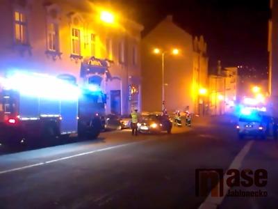 V jablonecké Hasičské ulici byl autem sražen chodec