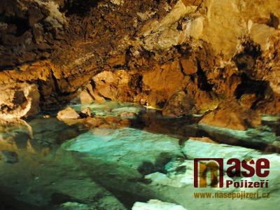 V horkém létě turisté míří za chladem do Bozkovských jeskyní