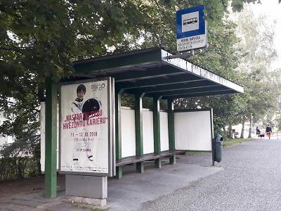 Město Jablonec průběžně opravuje 55 autobusových čekáren