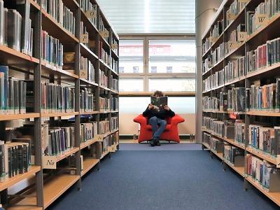 Krajské kolo Čtenáře roku vyhrála žena z Jihlavska. Půjčila si 61 e-knih
