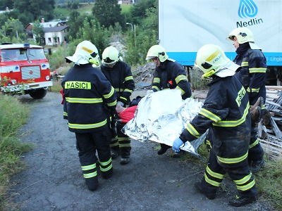 Obrazem: Cvičení dobrovolných hasičů proběhlo v Josefově Dole