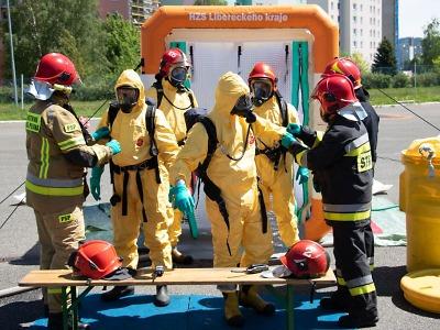 Čeští a polští hasiči cvičili zásahy na nebezpečné látky