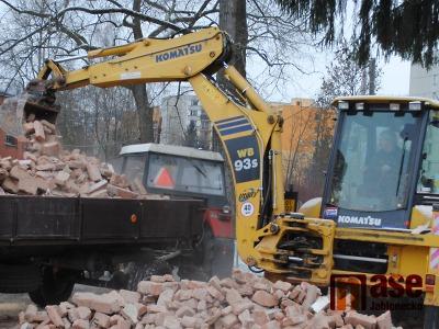 Začala demolice dvou domů v jabloneckém Zeleném údolí