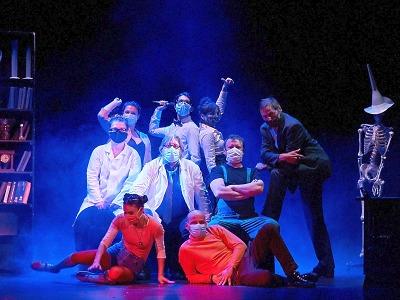 Divadlo F. X. Šaldy díky vám hraje, tančí a zpívá!