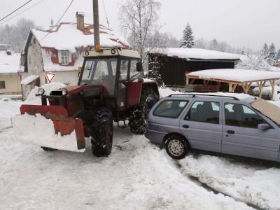 S třemi a půl promile pluhoval u Bedřichova sníh