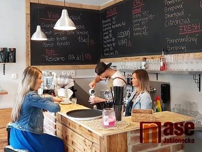 Dolce Caffe nabízí výbornou kávu i laskominy