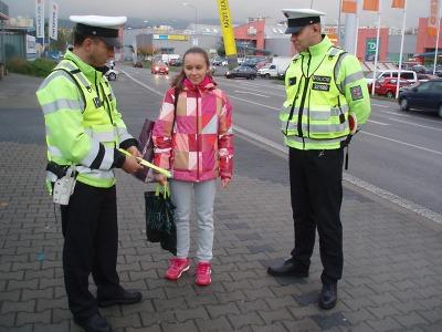 Policisté se zaměřili na viditelnost chodců, cyklistů a motocyklistů