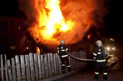 V Desné hořel rodinný dům