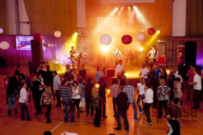 V Tanvaldské sportovní hale se konala 1. sportovní zábava