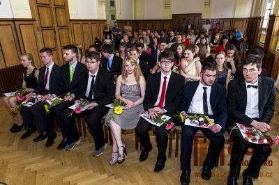 Na tanvaldském gymnáziu slavnostně předávali maturitní vysvědčení
