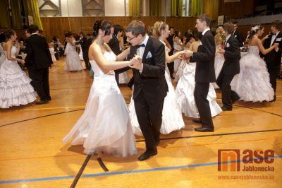 Závěrečný slavnostní věneček tanečních kurzů v Tanvaldě