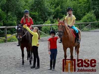 Jablonecký jezdecký oddíl pořádá hobby závody