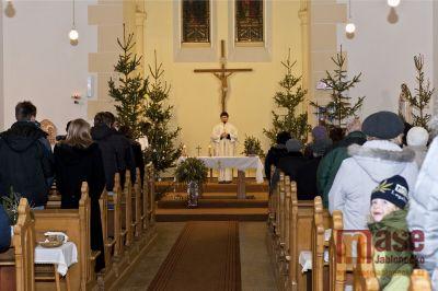 Půlnoční mše v Kostele Nanebevzetí Panny Marie v Desné