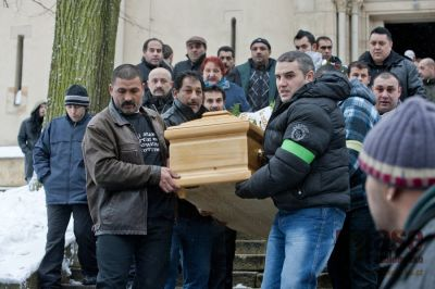 V Tanvaldu pohřbili zastřeleného Roma, bez incidentu