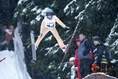 V Desné a v Tanvaldu závodili mladí skokané na lyžích a sdruženáři