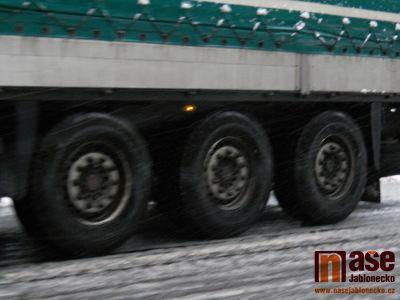 Kvůli sněžení uzavřou pro kamiony silnici z Tanvaldu do Harrachova