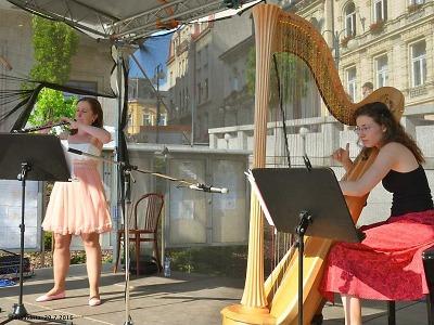 Na Mírovém náměstí v Jablonci zněly hoboj a harfa
