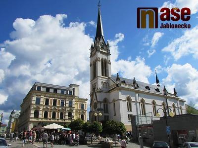 Obrazem: Premiérový Farský trh v Jablonci