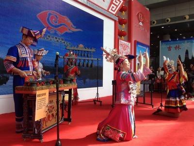 Mezinárodní festival v Jablonci představí i folklor čínský a rumunský