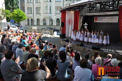 Obrazem: Mezinárodní folklorní festival 2015