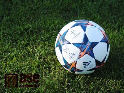 Maximalisticko-minimalistická fotbalová iniciativa aneb co napadá při Euru