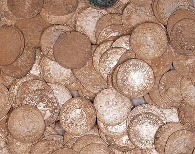 Nálezce odevzdal do Muzea Českého ráje poklad mincí ze 14. století
