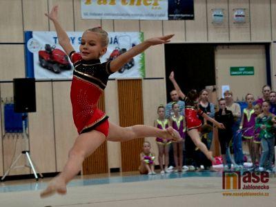 Sobotní závody gymnastek plné krásných skladeb