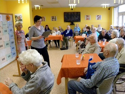 Senioři z několika domovů prověřili znalosti v soutěži Hamrovský risk